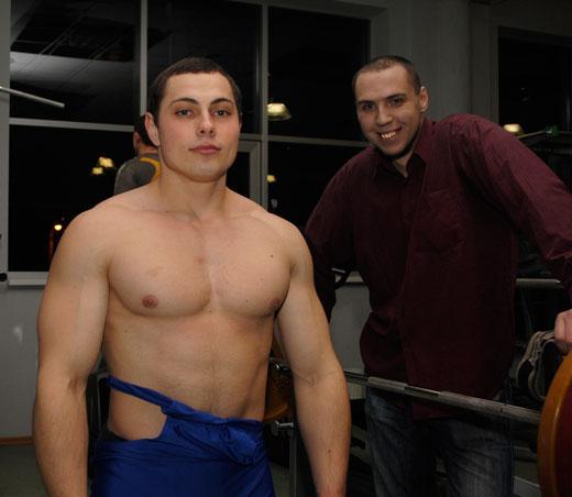 Дмитрий Гврих, 2е место до 80кг(19 раз)