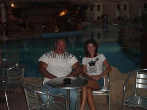 С женой в Египте