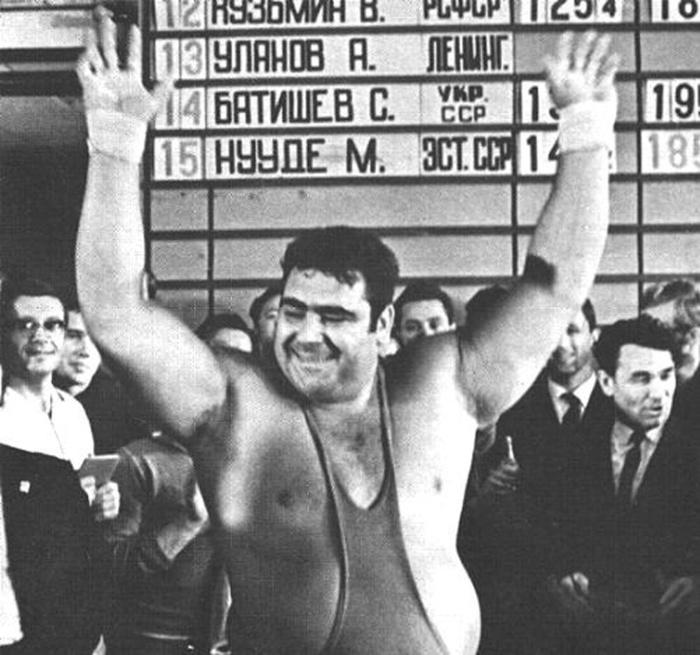 в 1970 году Русский штангист Василий Алексеев устанавливает свой первый мировой рекорд (за свою будущую карьеру он установит 80 рекордов)