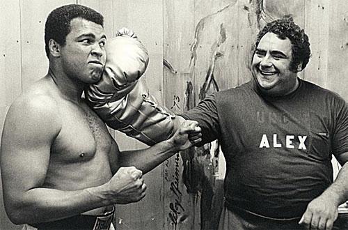 На фото: Мохамед Али и Василий Алексеев