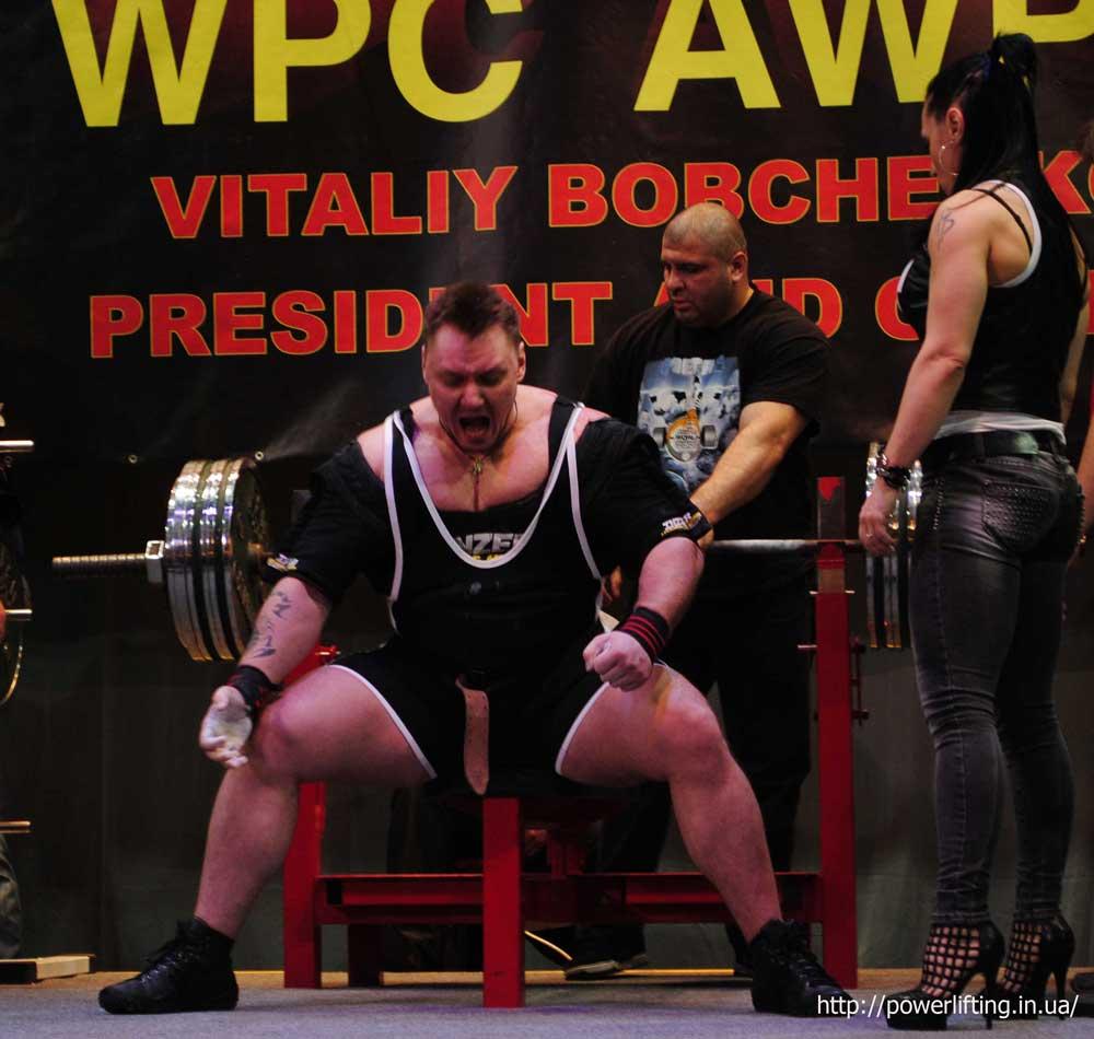 На фото Виталий Бобченко на Чемпионате Украины AWPC