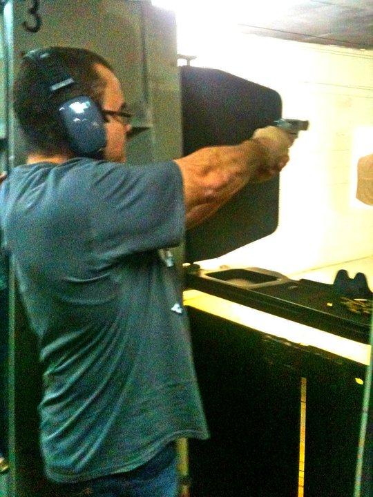 С помощью пистолета и доброго слова, можно добиться гораздо большего, чем с помощью только доброго слова.